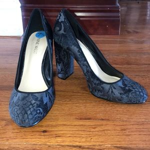 Nine West black heels in perfect condition